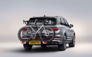 Bentley introduce opționale noi pentru Bentayga: sistem de evacuare Akrapovic și suport pentru biciclete