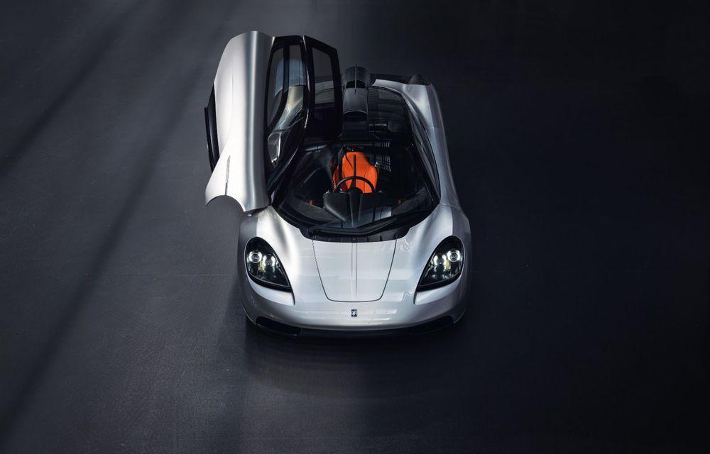 Gordon Murray a prezentat noul T.50, succesorul lui McLaren F1: supercar-ul cântărește mai puțin de o tonă și are un V12 aspirat natural cu 663 CP - Poza 8