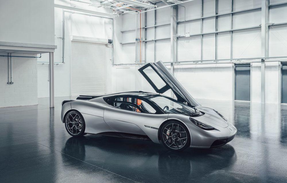 Gordon Murray a prezentat noul T.50, succesorul lui McLaren F1: supercar-ul cântărește mai puțin de o tonă și are un V12 aspirat natural cu 663 CP - Poza 14