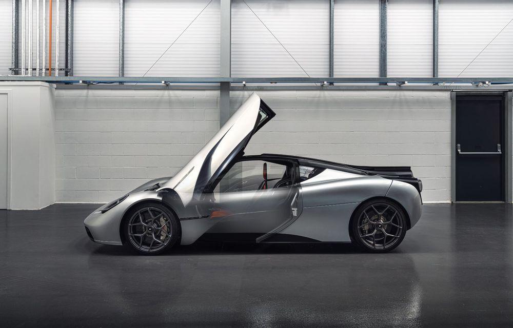 Gordon Murray a prezentat noul T.50, succesorul lui McLaren F1: supercar-ul cântărește mai puțin de o tonă și are un V12 aspirat natural cu 663 CP - Poza 13