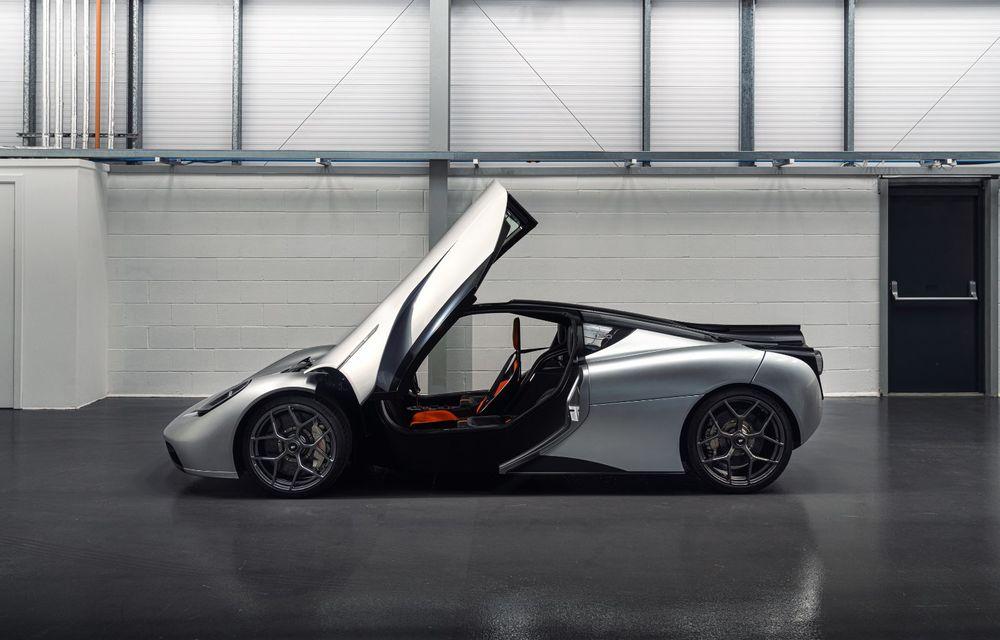 Gordon Murray a prezentat noul T.50, succesorul lui McLaren F1: supercar-ul cântărește mai puțin de o tonă și are un V12 aspirat natural cu 663 CP - Poza 12