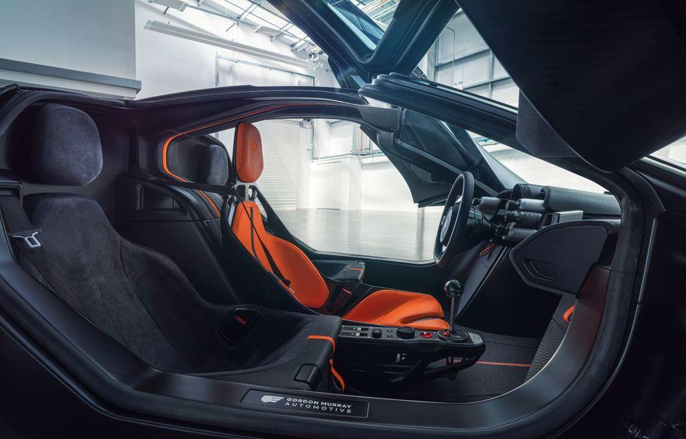 Gordon Murray a prezentat noul T.50, succesorul lui McLaren F1: supercar-ul cântărește mai puțin de o tonă și are un V12 aspirat natural cu 663 CP - Poza 32