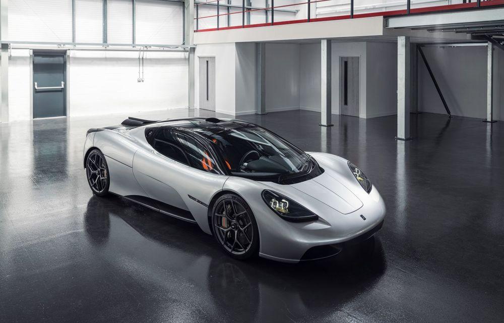 Gordon Murray a prezentat noul T.50, succesorul lui McLaren F1: supercar-ul cântărește mai puțin de o tonă și are un V12 aspirat natural cu 663 CP - Poza 2