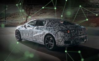 Prima imagine camuflată cu Mercedes-Benz EQS: sedanul electric va avea autonomie de 700 de kilometri și va utiliza baterii CATL