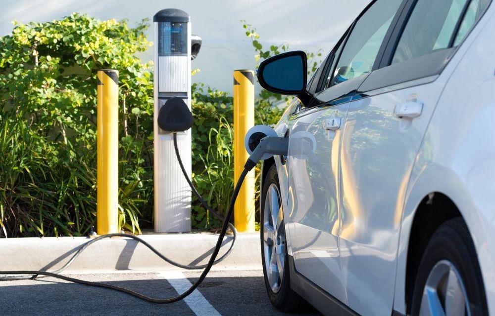 Lege: clădirile cu peste 10 locuri de parcare vor fi obligate să aibă infrastructură de încărcare pentru mașinile electrice - Poza 1