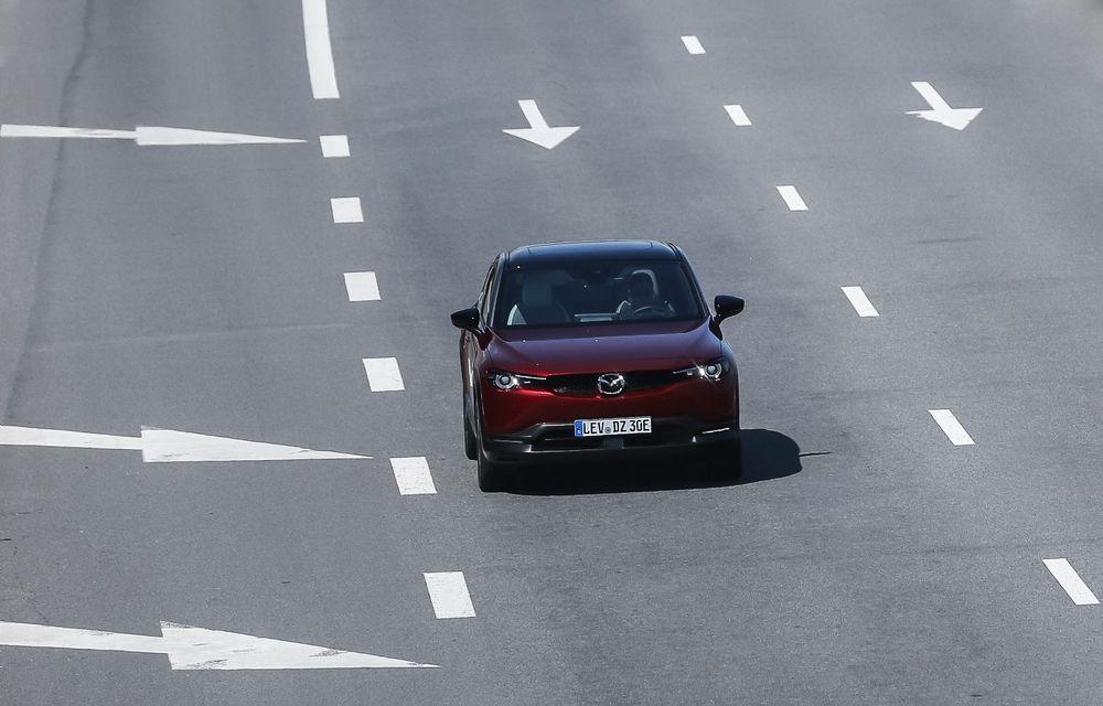 Întâlnire cu MX-30, prima electrică Mazda: autonomia de 200 de kilometri - între probleme de imagine, cifre oficiale și realități - Poza 55