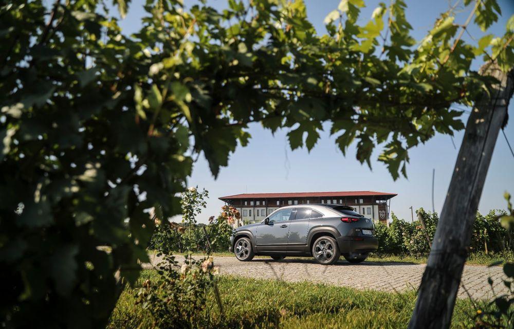 Întâlnire cu MX-30, prima electrică Mazda: autonomia de 200 de kilometri - între probleme de imagine, cifre oficiale și realități - Poza 13