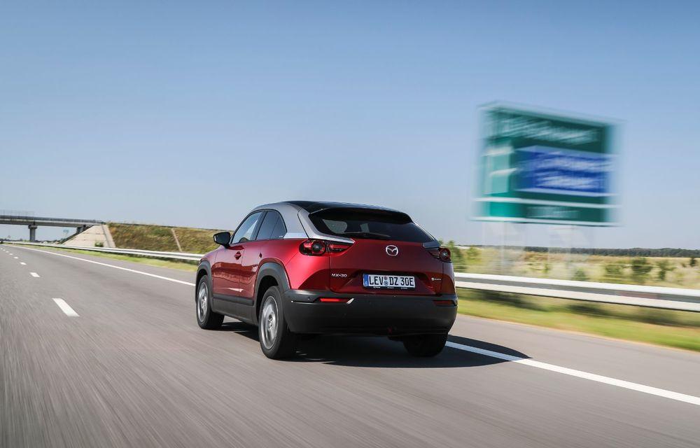 Întâlnire cu MX-30, prima electrică Mazda: autonomia de 200 de kilometri - între probleme de imagine, cifre oficiale și realități - Poza 21