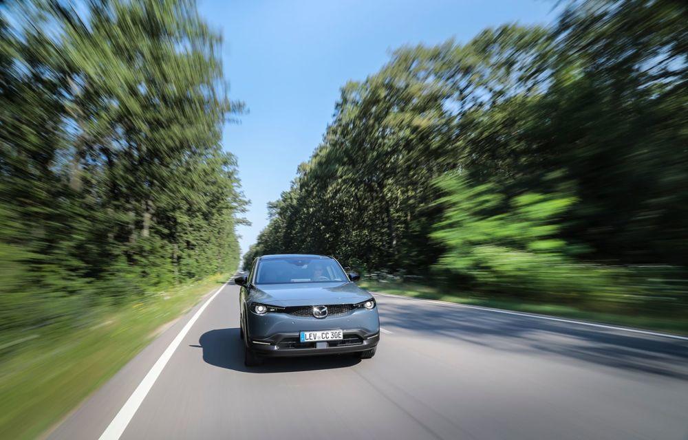 Întâlnire cu MX-30, prima electrică Mazda: autonomia de 200 de kilometri - între probleme de imagine, cifre oficiale și realități - Poza 12