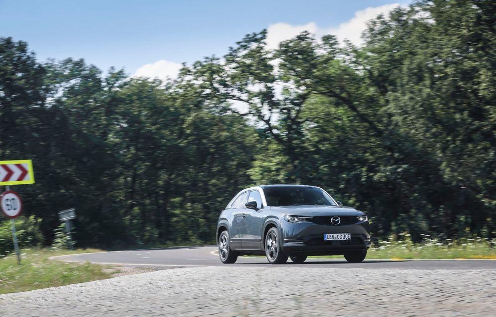Întâlnire cu MX-30, prima electrică Mazda: autonomia de 200 de kilometri - între probleme de imagine, cifre oficiale și realități - Poza 53
