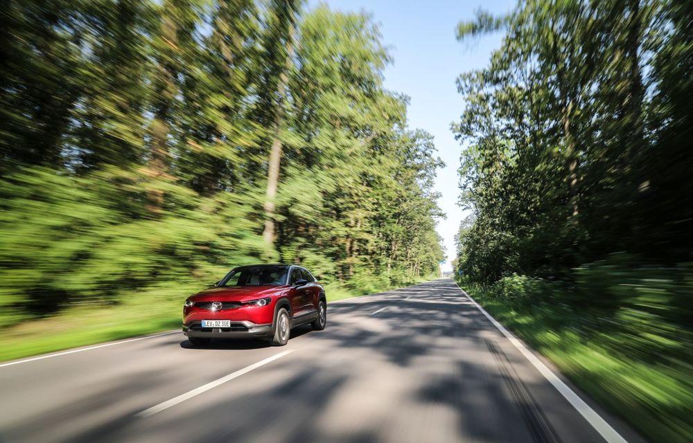 Întâlnire cu MX-30, prima electrică Mazda: autonomia de 200 de kilometri - între probleme de imagine, cifre oficiale și realități - Poza 14