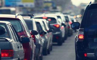Studiu: șoferii care circulă cu geamurile deschise, cu 80% mai expuși la poluarea din orașe