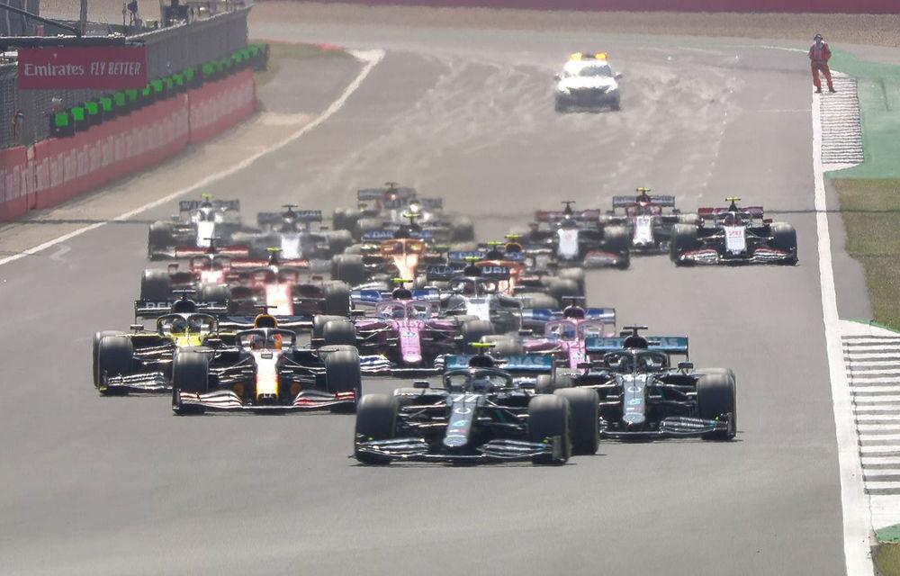 Verstappen a câștigat cursa de la Silverstone datorită unei strategii mai bune la boxe! Hamilton și Bottas au completat podiumul - Poza 1
