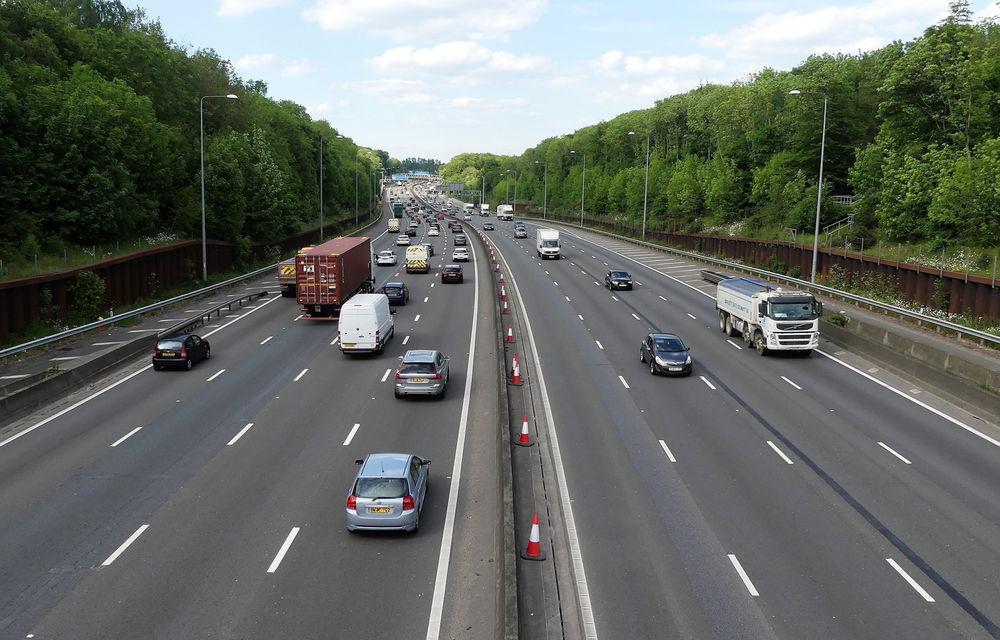 """Britanicii vor interzicerea vânzărilor de mașini diesel și pe benzină în 2030: 60% dintre ei spun că este o """"idee bună"""" - Poza 1"""