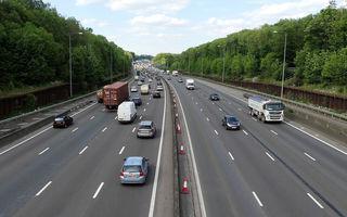 """Britanicii vor interzicerea vânzărilor de mașini diesel și pe benzină în 2030: 60% dintre ei spun că este o """"idee bună"""""""