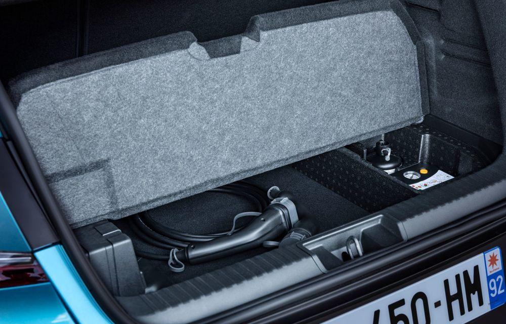 Renault deschide în România pre-comenzile pentru versiunea plug-in hybrid a lui Captur: 28.800 de euro pentru varianta de echipare de top - Poza 24
