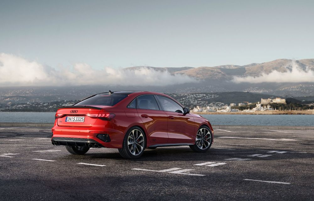 Audi a prezentat noile S3 Sportback și S3 Sedan: motor de 2.0 litri cu 310 CP și 400 Nm - Poza 6