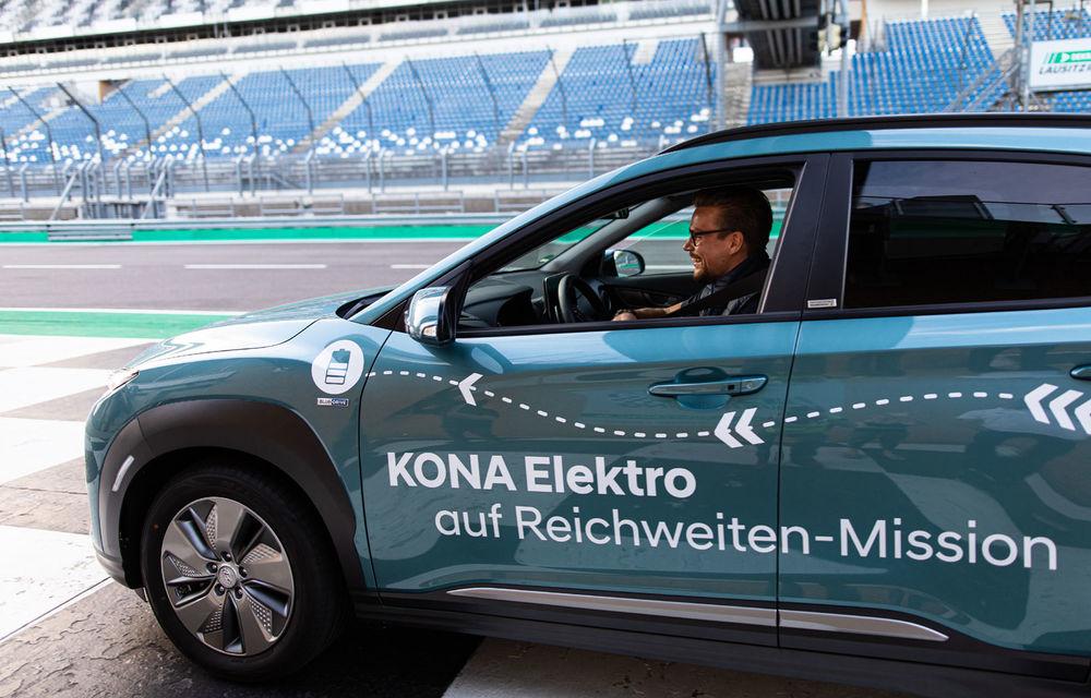 Record de autonomie pentru Hyundai Kona Electric: SUV-ul a parcurs 1.026 de kilometri pe un circuit de teste în condiții speciale - Poza 5