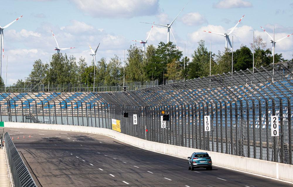 Record de autonomie pentru Hyundai Kona Electric: SUV-ul a parcurs 1.026 de kilometri pe un circuit de teste în condiții speciale - Poza 8