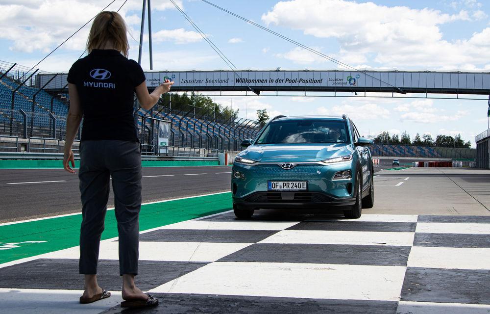 Record de autonomie pentru Hyundai Kona Electric: SUV-ul a parcurs 1.026 de kilometri pe un circuit de teste în condiții speciale - Poza 7