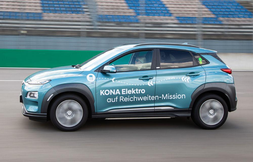 Record de autonomie pentru Hyundai Kona Electric: SUV-ul a parcurs 1.026 de kilometri pe un circuit de teste în condiții speciale - Poza 1