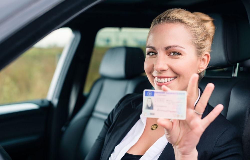 Taxele pentru permisul auto și certificatul de înmatriculare se vor putea plăti online prin platforma Ghișeul.ro - Poza 1