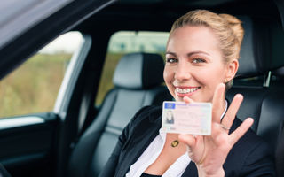 Taxele pentru permisul auto și certificatul de înmatriculare se vor putea plăti online prin platforma Ghișeul.ro