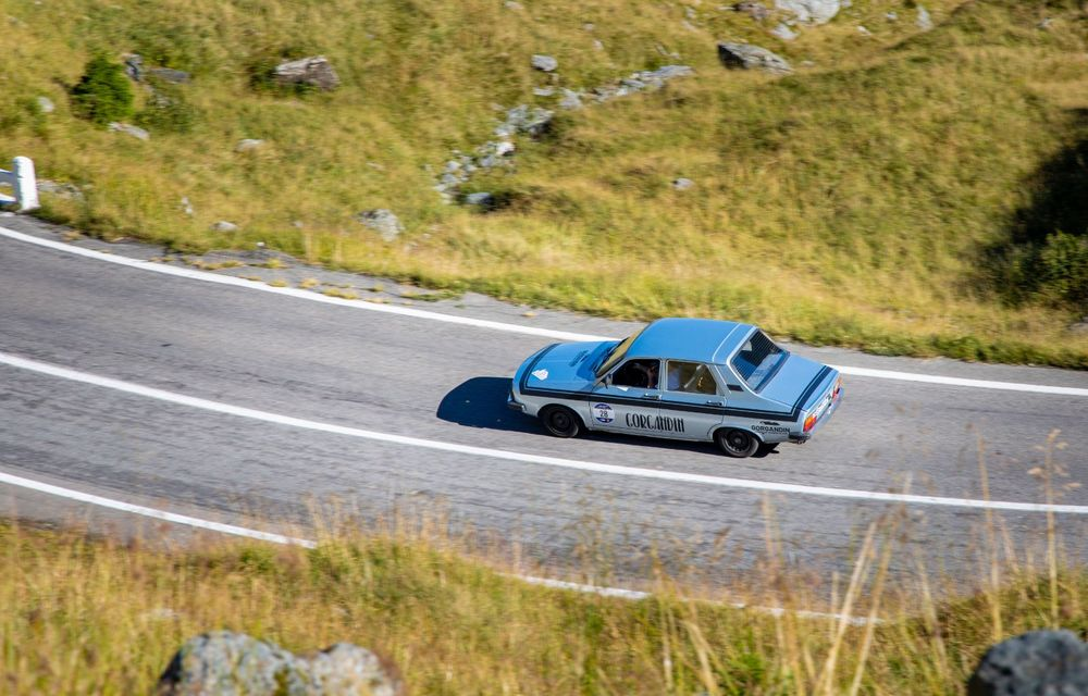 25 de echipaje au concurat în competiția dedicată mașinilor electrice la Transylvania Classic 2020: Alex Filip și Andreea Arsine au câștigat cu un Renault Zoe - Poza 12