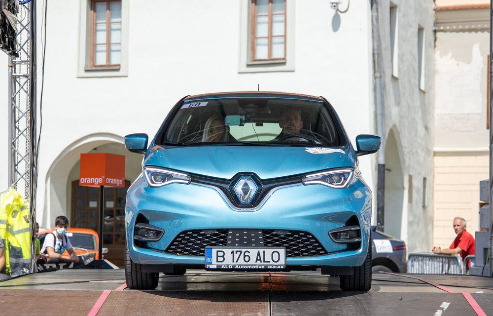 25 de echipaje au concurat în competiția dedicată mașinilor electrice la Transylvania Classic 2020: Alex Filip și Andreea Arsine au câștigat cu un Renault Zoe - Poza 1