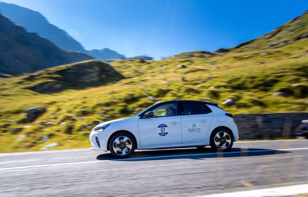 25 de echipaje au concurat în competiția dedicată mașinilor electrice la Transylvania Classic 2020: Alex Filip și Andreea Arsine au câștigat cu un Renault Zoe - Poza 7