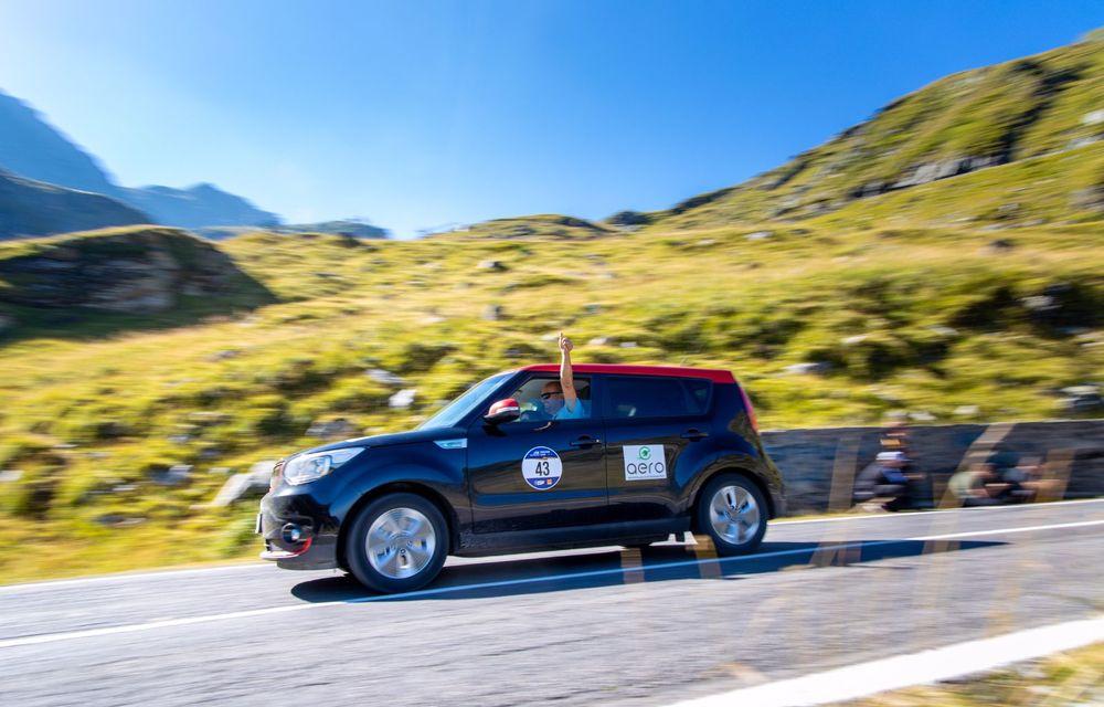 25 de echipaje au concurat în competiția dedicată mașinilor electrice la Transylvania Classic 2020: Alex Filip și Andreea Arsine au câștigat cu un Renault Zoe - Poza 8