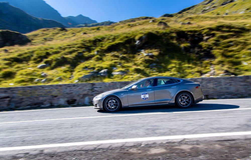 25 de echipaje au concurat în competiția dedicată mașinilor electrice la Transylvania Classic 2020: Alex Filip și Andreea Arsine au câștigat cu un Renault Zoe - Poza 6