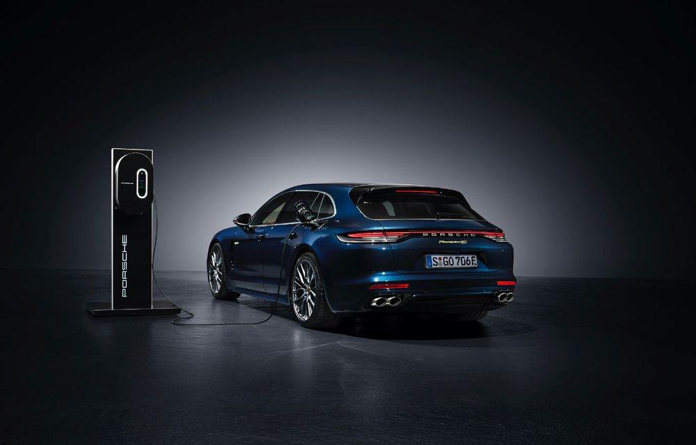 Porsche a prezentat Panamera facelift: nemții introduc versiunea Turbo S cu 630 CP și o nouă variantă plug-in hybrid cu autonomie electrică de până la 54 de kilometri - Poza 9