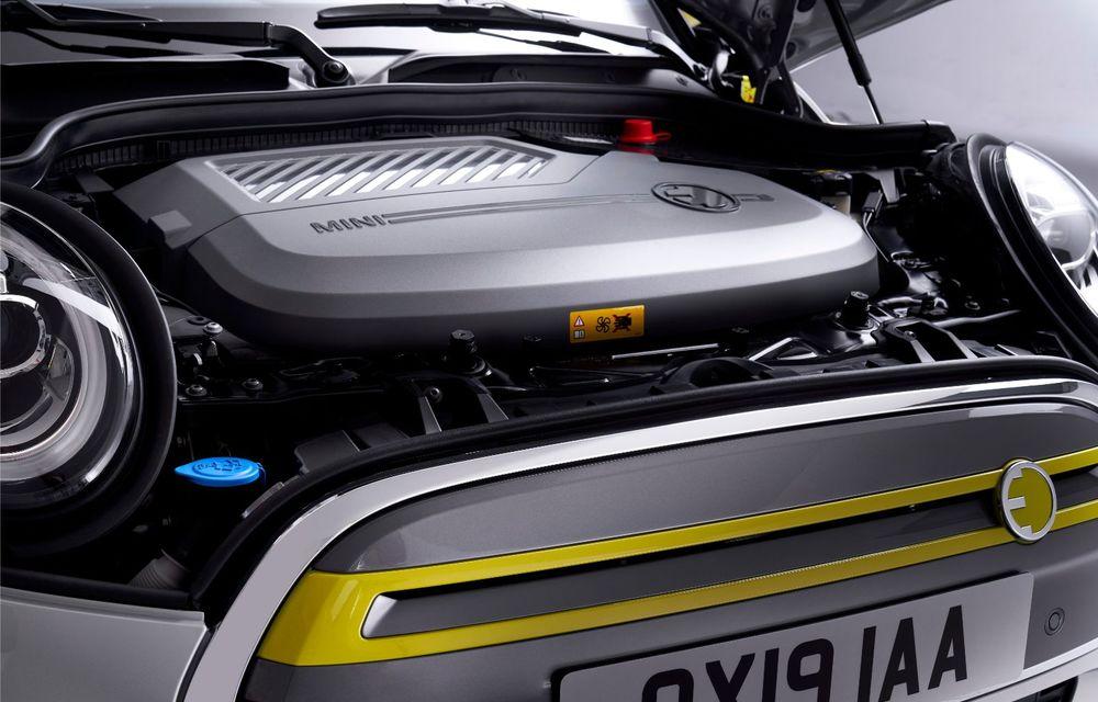 Facem cunoștință cu mașinile din #ElectricRomânia 2020: Mini Cooper SE, senzația de kart tradusă în zâmbete/kWh - Poza 31