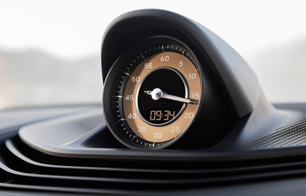 Facem cunoștință cu mașinile din #ElectricRomânia 2020: Porsche Taycan Turbo, cel mai puternic model din turul României cu 8 mașini electrice - Poza 27