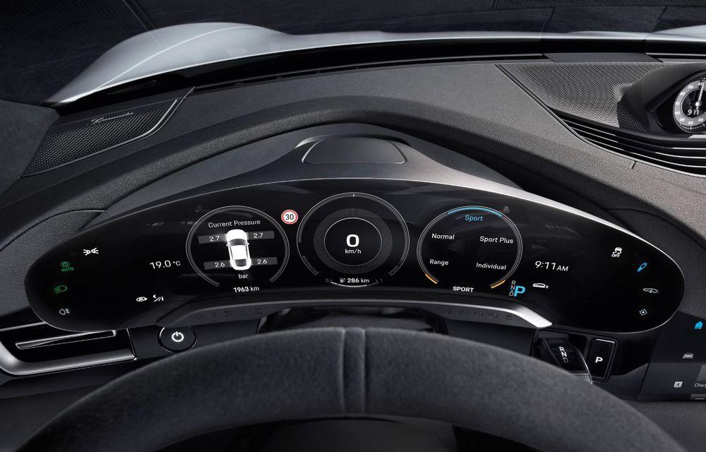 Facem cunoștință cu mașinile din #ElectricRomânia 2020: Porsche Taycan Turbo, cel mai puternic model din turul României cu 8 mașini electrice - Poza 22
