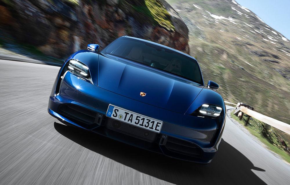 Facem cunoștință cu mașinile din #ElectricRomânia 2020: Porsche Taycan Turbo, cel mai puternic model din turul României cu 8 mașini electrice - Poza 1