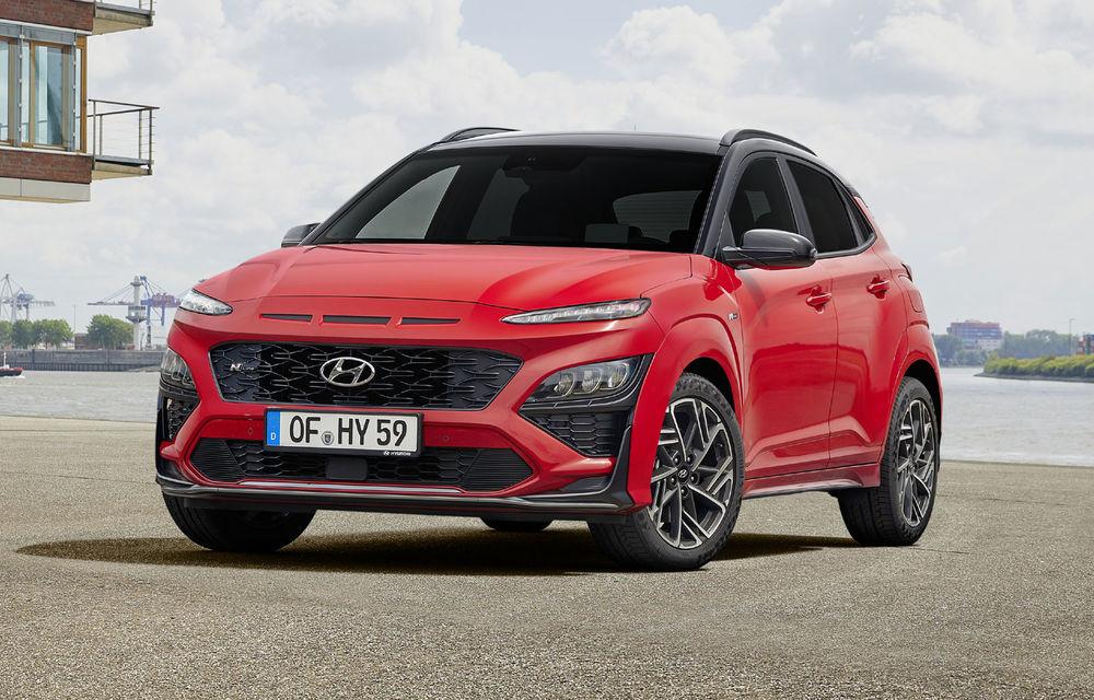 Hyundai prezintă Kona facelift: schimbări de design exterior, ecrane mai mari la interior, motorizări mild-hybrid și versiune N-Line - Poza 4