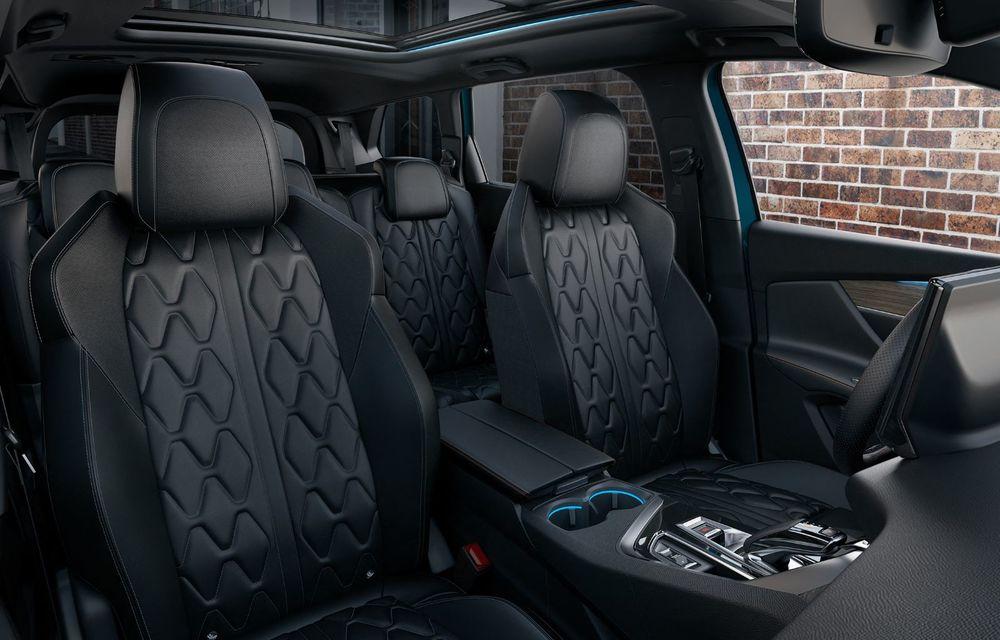 Peugeot a prezentat 5008 facelift: modificări de design și echipamente noi - Poza 3