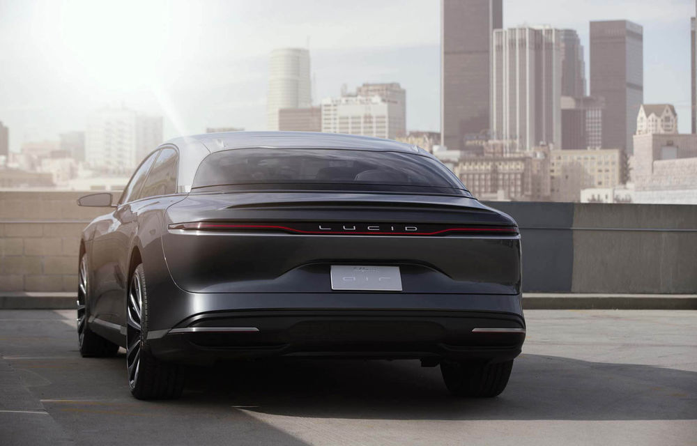 Lucid Air va fi cel mai rapid sedan din lume: 9.9 secunde pentru sfertul de milă. Modelul electric va avea două motoare de 1.080 de cai putere - Poza 6