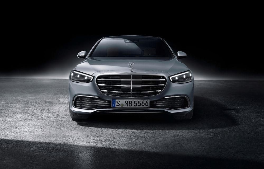 Viitorul Mercedes-Maybach Clasa S va fi lansat în luna noiembrie: motor V12 de 6.0 litri și tracțiune integrală - Poza 1
