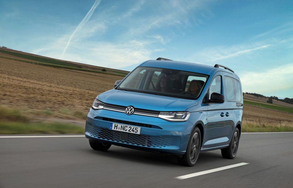 Volkswagen a prezentat noul Caddy California: camper van-ul are un pat cu arcuri cu o lungime de aproape 2 metri și o bucătărie de mici dimensiuni - Poza 2