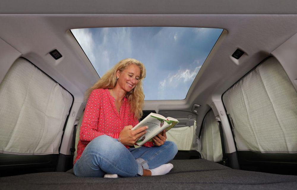 Volkswagen a prezentat noul Caddy California: camper van-ul are un pat cu arcuri cu o lungime de aproape 2 metri și o bucătărie de mici dimensiuni - Poza 22