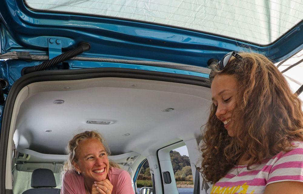 Volkswagen a prezentat noul Caddy California: camper van-ul are un pat cu arcuri cu o lungime de aproape 2 metri și o bucătărie de mici dimensiuni - Poza 17