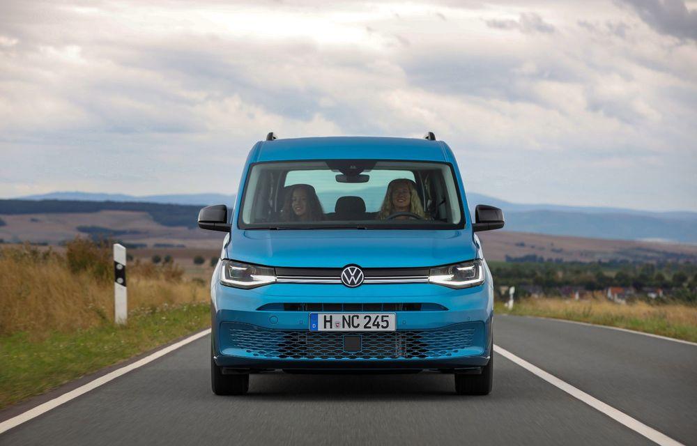 Volkswagen a prezentat noul Caddy California: camper van-ul are un pat cu arcuri cu o lungime de aproape 2 metri și o bucătărie de mici dimensiuni - Poza 4