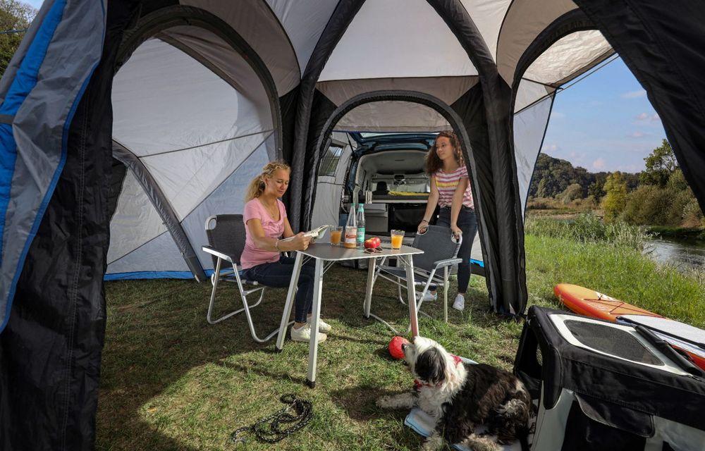 Volkswagen a prezentat noul Caddy California: camper van-ul are un pat cu arcuri cu o lungime de aproape 2 metri și o bucătărie de mici dimensiuni - Poza 11