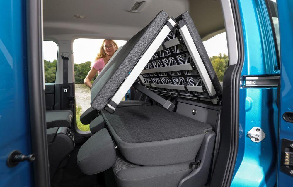 Volkswagen a prezentat noul Caddy California: camper van-ul are un pat cu arcuri cu o lungime de aproape 2 metri și o bucătărie de mici dimensiuni - Poza 18