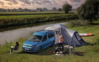 Volkswagen a prezentat noul Caddy California: camper van-ul are un pat cu arcuri cu o lungime de aproape 2 metri și o bucătărie de mici dimensiuni