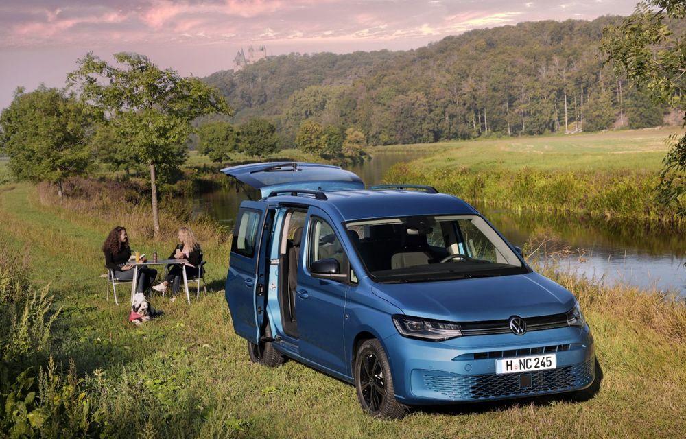 Volkswagen a prezentat noul Caddy California: camper van-ul are un pat cu arcuri cu o lungime de aproape 2 metri și o bucătărie de mici dimensiuni - Poza 9