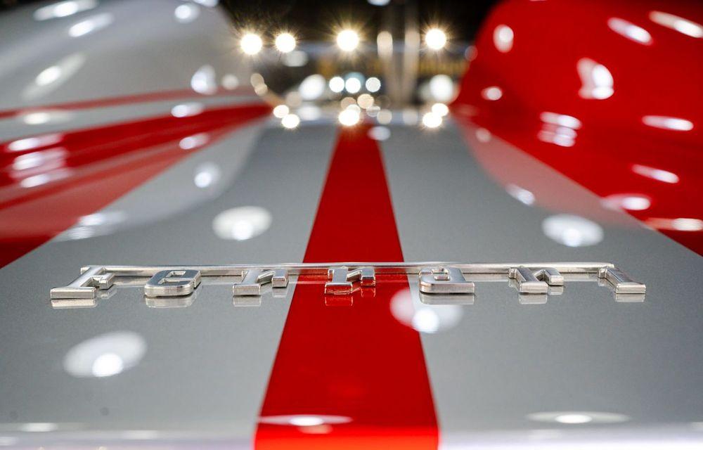 Galeria Țiriac Collection s-a îmbogățit cu un exemplar Ferrari Monza SP2: modelul este echipat cu cel mai puternic V12 aspirat natural din istoria companiei - Poza 3